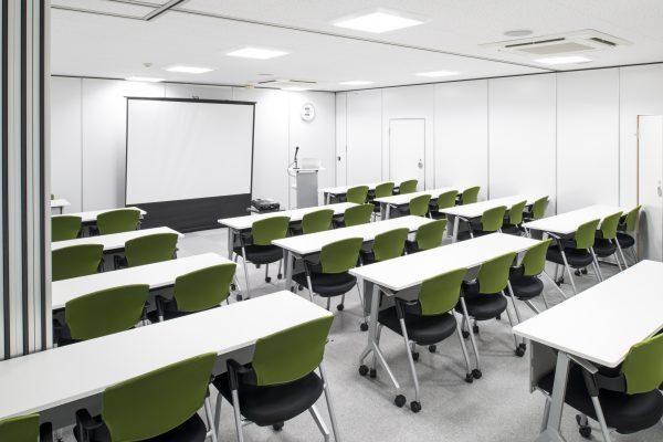 会議室Bと会議室Cを繋げて斜め後ろから