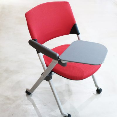 会議用の補助椅子